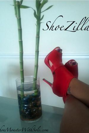 unknown designer heels