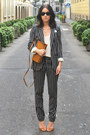 Navy-striped-river-island-suit-camel-zara-bag-rayban-sunglasses-zara-heels