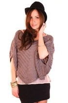 Heather-gray-shopgoldie-top