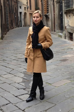 Burberry coat - Tommy Hilfiger boots - Tommy Hilfiger scarf - Michael Kors bag