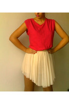Gap t-shirt - Bershka skirt