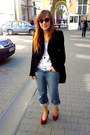 Light-blue-esprit-jeans-black-zara-blazer-white-h-m-kids-top-red-heels