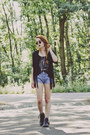 Leather-zara-boots-levis-shorts-ebay-sunglasses-hellaholic-vest