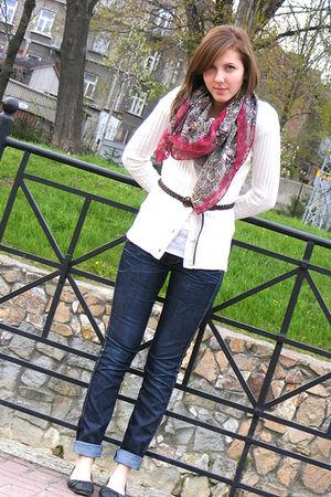 beige Primark cardigan - white Primark shirt - brown ordinary shop belt - blue H
