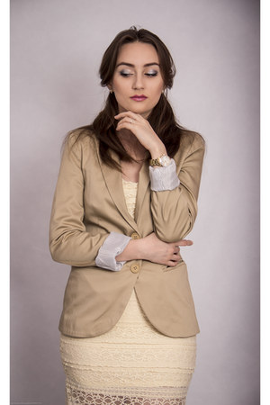 tan Stradivarius jacket - beige Bebe dress - belt