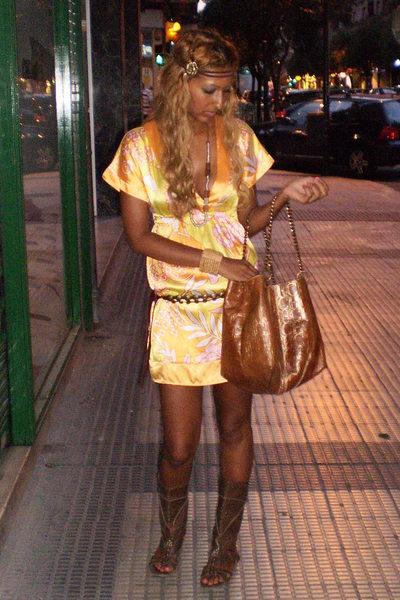 Bershka dress - Bershka shoes - Carolina Herrera purse - Primark accessories
