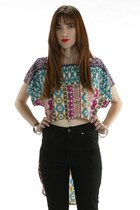 Asymmetrical Tribal Top Rojas