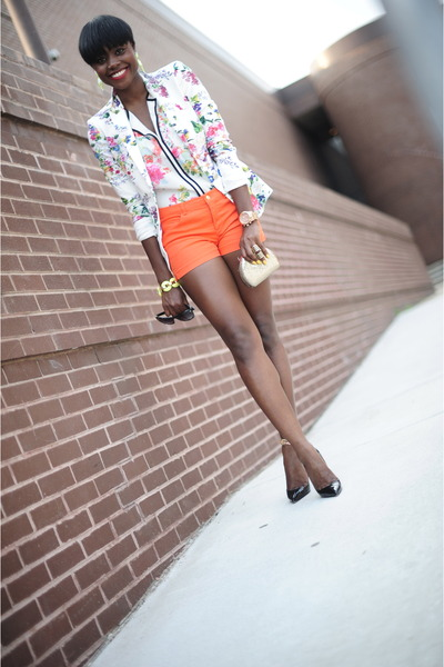 H&M shirt - Zara blazer - H&M shorts - Christian Louboutin pumps