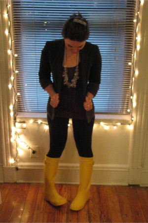 gray Uniqlo blazer - purple H&M top - black American Apparel leggings - gold Hun