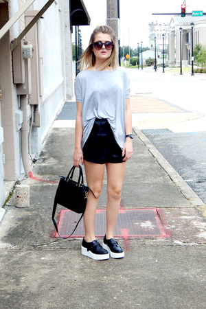 black square Apt9 purse - black Forever 21 shorts - black sam edelman sneakers