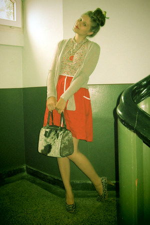red skirt - flowerd shirt - brown bag - black flowerd heels - tan cardigan