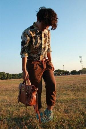 alexa Mulberry bag - boots - cruise printed shirt - pleated pants - belt