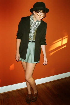 gray vintage skirt - brown oxfords vintage shoes - black bowler Forever 21 hat