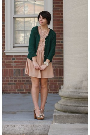 dark green thrifted cardigan - pink Fleet Collection necklace