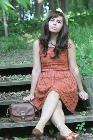 burnt orange dress - eggshell hat
