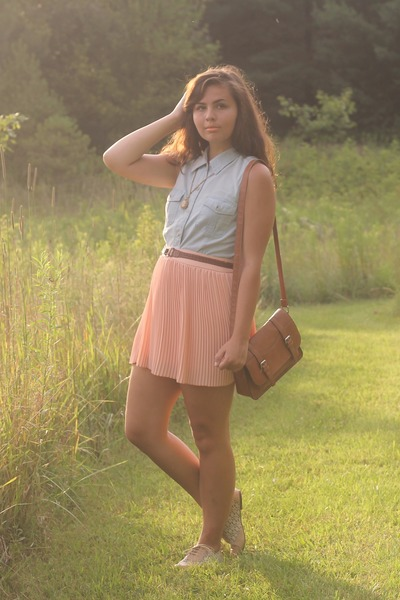 peach LuLus skirt - periwinkle thrifted top - off white LuLus flats
