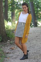 thrifted skirt - thrifted boots - thirfted shirt - Forever21 cardigan