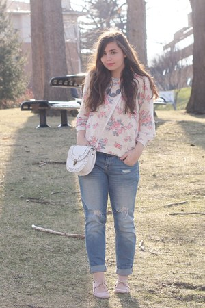 pink Forever21 sweater - periwinkle Aeropostale jeans - white Aeropostale purse