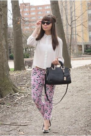 black Handbag Heaven purse - light pink Aeropostale pants