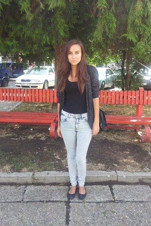 silver H&M jeans - gray H&M sandals - gray H&M t-shirt - forest green cardigan