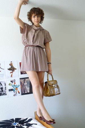 vintage - vintage belt - vintage dress - vintage shoes