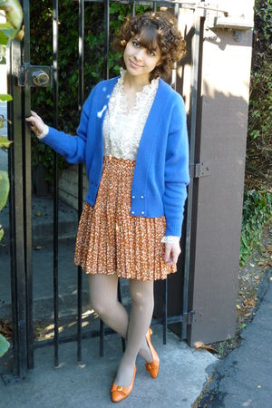 vintage cardigan - vintage skirt - vintage top - vintage shoes - HUE stockings