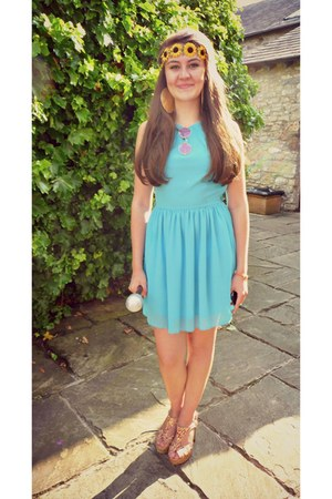 Topshop dress - sunglasses - heels