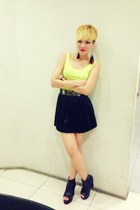 yellow neon Stylenanda top - black leather wedges - black leather pleated skirt