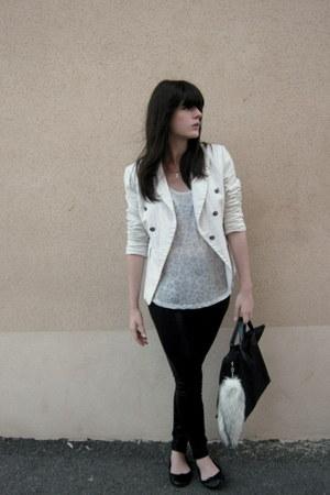 white camaieu blazer - periwinkle It Hippie t-shirt - ivory H&M accessories