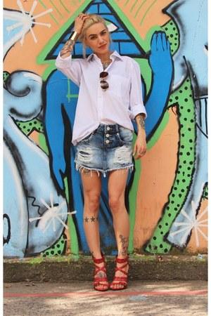 sky blue Alma Viva Jeans shorts - camel Chilli Beans sunglasses