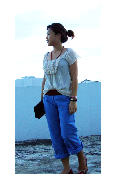 Platinum mall top - thrifted pants - Day market belt - shoes - thrifted purse - 