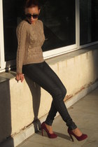 H&M sweater - Forever 21 pumps
