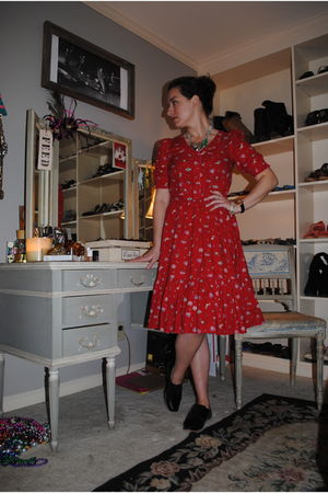red vintage dress - black Steve Madden shoes