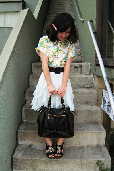 vintage 50s blouse - H&M skirt - Chie Mihara shoes - vintage belt - Gryson purse