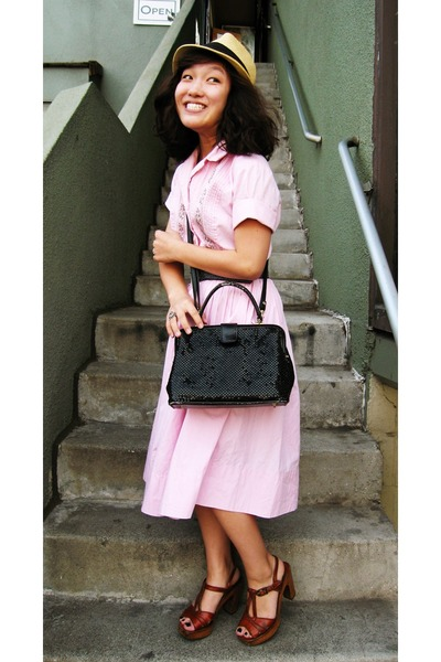 UO accessories - vintage dress - vintage belt - vintage purse - vintage shoes -