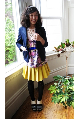 thrifted blazer - f21 necklace - Manoush top - vintage skirt - PLV shoes - H&amp;M b