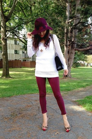 brick red Juicy Couture hat - white CYC sweater - brick red Zara leggings