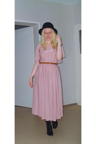 light pink h m dresses black c a shoes black h m hats