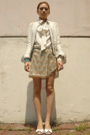 dark khaki lace Forever 21 skirt - sky blue crystal Agatha bracelet