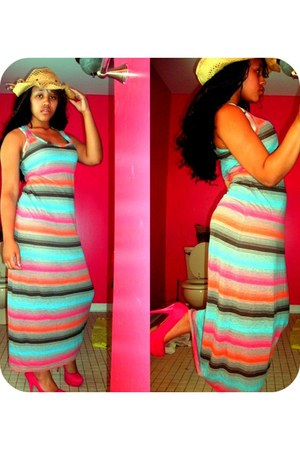 striped dress - tan Cowboy Hat hat - pink heels