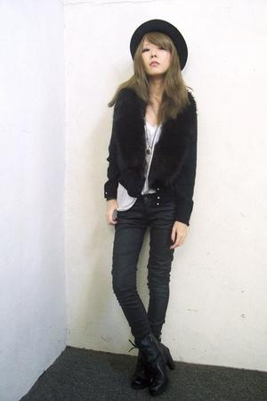 black vintage sweater - black Guess boots - black H&M pants