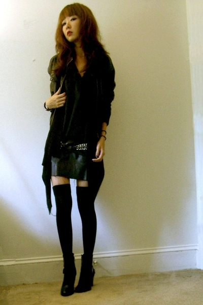black leather Forever 21 jacket - black Forever 21 sweater - black H&M tights