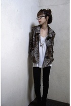 beige leopard vintage jacket - black leggings American Apparel
