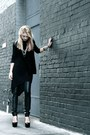 Black-leather-h-m-leggings-black-long-sleeve-gap-shirt-black-tunic-h-m-top