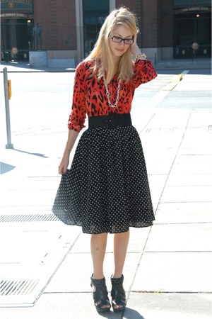 red leopard print H&amp;M blouse - black aliceolivia belt - black polka-dotted H&amp;M s