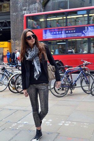 Zara jeans - Louis Vuitton scarf - balenciaga bag - converses sneakers