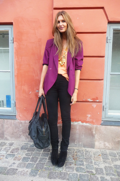 2ndhand blazer - Monki top - acne jeans - Vintage Moschino accessories - Yvonne 