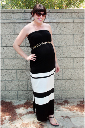 black zig zag clutch Ann Taylor Loft bag - ivory striped Old Navy dress