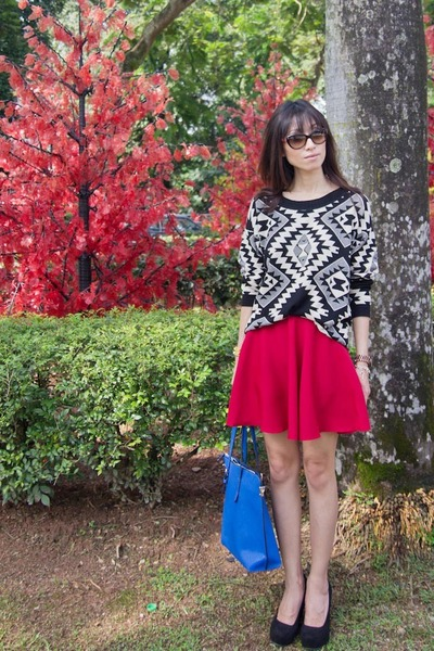skirt flare red Mood & Closet skirt - Mood & Closet sweater - Mood & Closet bag