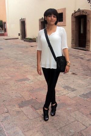 black leather leggings - white basic Zara shirt - black platforms heels